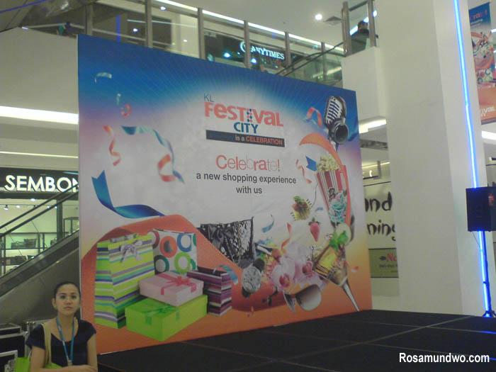 Performance at KL Festival City Mall